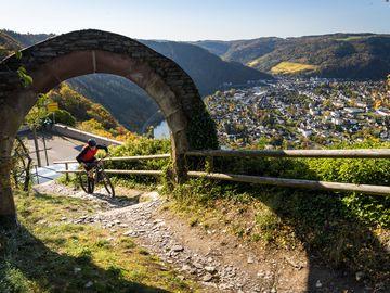 Mountainbike Action am Torbogen in Starkenburg
